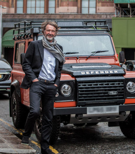 Miljardair geeft 750 miljoen uit om Land Rover Defender nieuw leven in te blazen