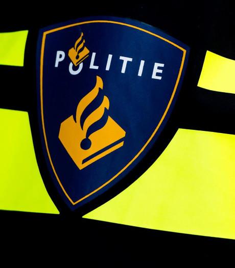 Man (62) meldt zich op politiebureau Tiel voor klap met stalen pijp in Rhenen