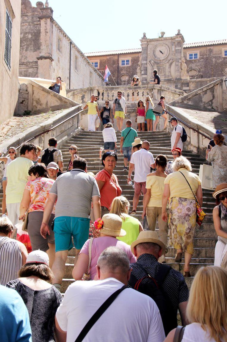 De trappen in het centrum van Dubrovnik waar de beroemde 'walk of shame'-scène werd opgenomen. Beeld Shutterstock