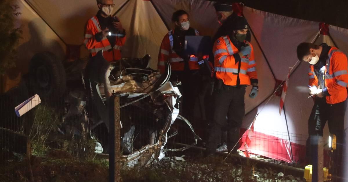 Drie doden bij aanrijding trein met auto in België.