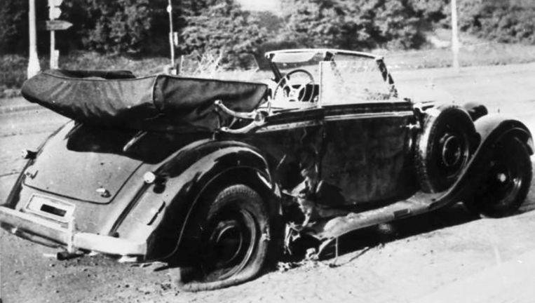 De Mercedes van Reinhard Heydrich na de aanslag. Beeld