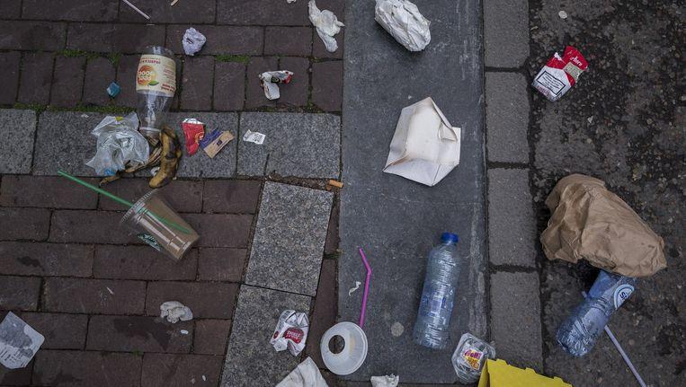 Afval in de Haarlemmerstraat Beeld Rink Hof