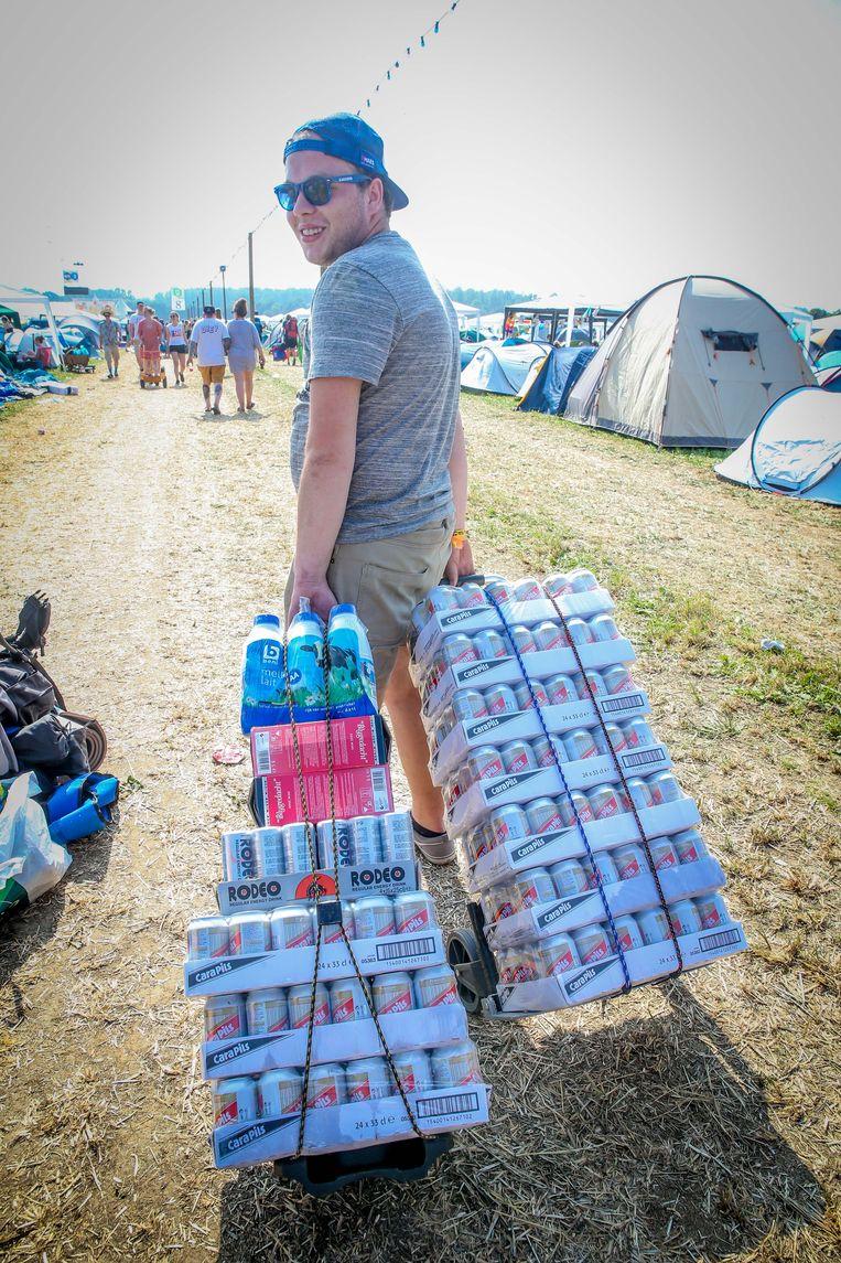 Het beste — en goedkoopste —bier voor op de camping? Cara, aldus Jonathan De Froeye uit Mechelen.