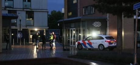 Kat-en-muisspel in Nijverdal tussen groepjes jongeren en politie