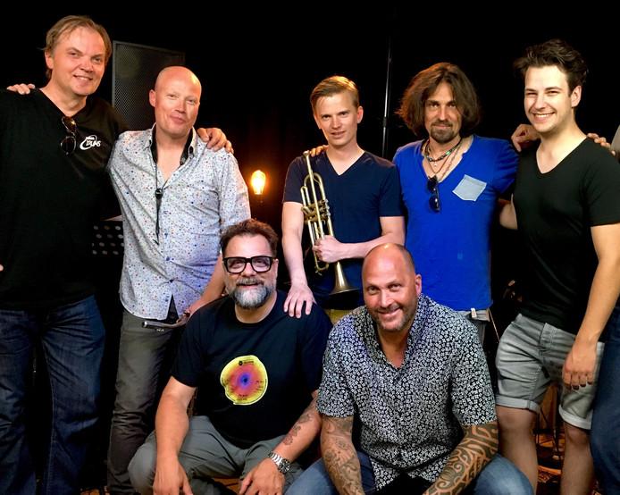 Skunk Funk International met onder anderen Teus Nobel, Erik Smith, Marc Guillermont en Martin Verdonk.