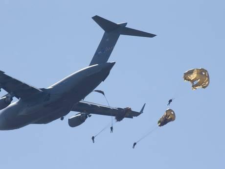 Arnhem Airbornestad, fruitwagens in Tiel en 'brandweerwoagens kiek'n'