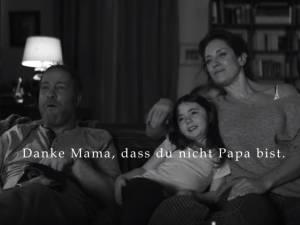 """""""Merci maman de ne pas être papa"""": une pub fait polémique en Allemagne"""