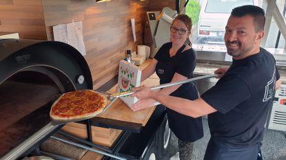 Na de desserts nu ook pizza: tweede foodtruck voor Bart en An