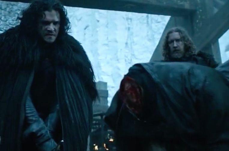 Jon onthoofdt watje Janos. Beeld HBO