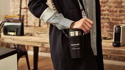 NINA tipt: zo stijlvol droeg je je koffie nog nooit