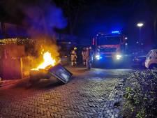 Aanhanger gaat in vlammen op in Wageningen