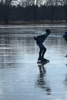 Lezersfoto's: Brabant vermaakt zich prima op het ijs