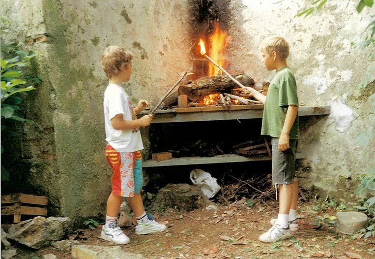 Jarl en zijn broer Adriaan op een Toscaanse vakantie. Beeld Privéfoto