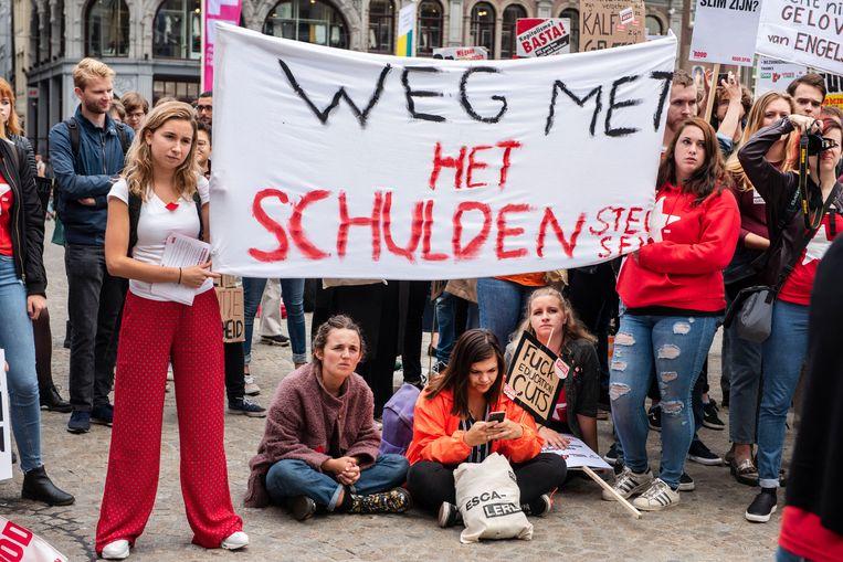 Het studentenprotest afgelopen september op de Dam in Amsterdam tegen het plan van minister Van Engelshoven om studenten meer rente te laten betalen op studieleningen. Beeld ANP
