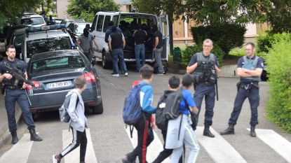 Franse politie houdt 2 broers en hun ouders aan voor ontploft bompakket in Lyon