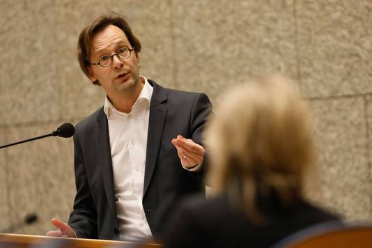 Ronald van Raak (SP) tijdens debat met minister Ollongren