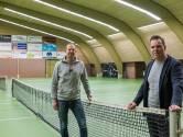 Exploitanten: 'Gebruik onze sporthallen als priklocatie'; GGD geeft vooralsnog niet thuis
