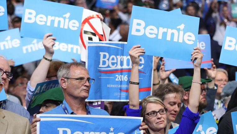 Aanhangers van Sanders hielden niet op met boe-geroep telkens toen naam Clinton voorbij kwam. Beeld EPA