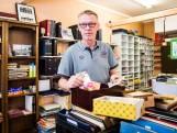 Postzegelhandel in Hengelo stopt ermee: 'Jeugd heeft geen interesse meer'