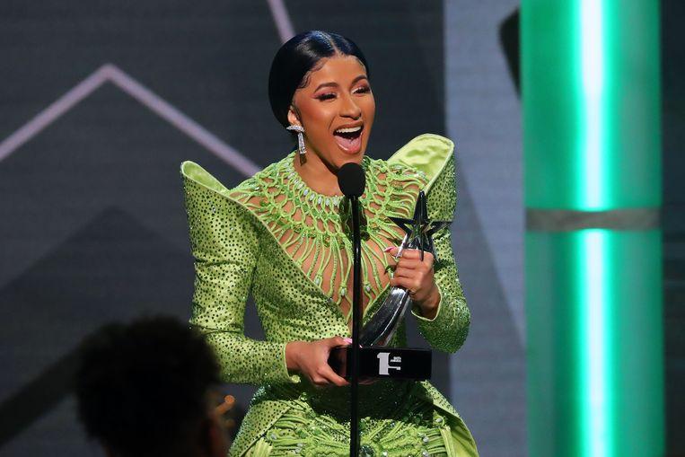 Ze mag ook twee prijzen mee naar huis nemen, waaronder deze 'album van het jaar'.