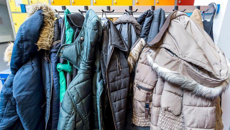 Voor dertig euro mag je een verloren winterjas meenemen Beeld anp