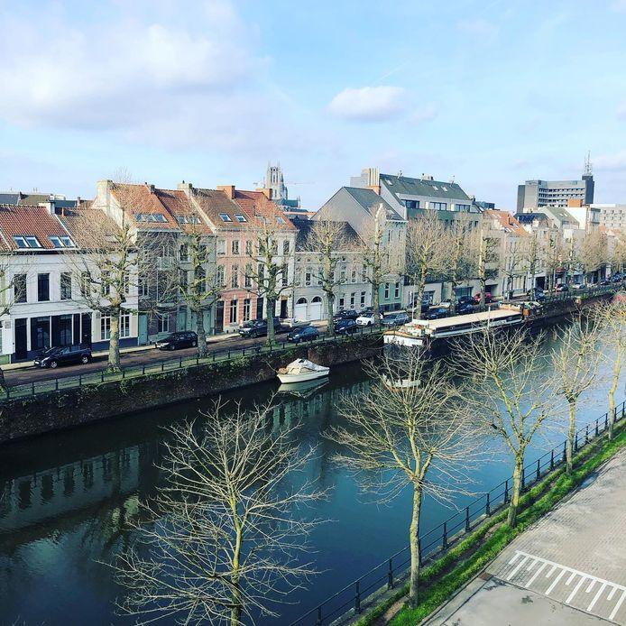 Vanop de daken maakt Franckie prachtige, unieke beelden Gent.