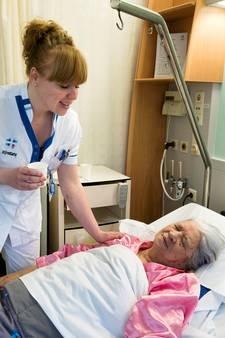 Rochelende patiënt houdt kamergenoot in ziekenhuis uit slaap