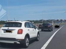 Boetes voor meer dan honderd automobilisten die over afgesloten snelweg reden