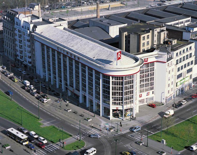 Het Citroën-gebouw aan het IJzerplein.