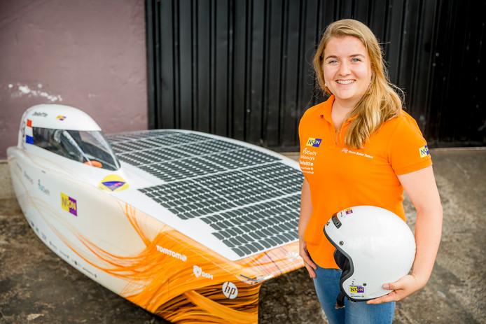 Lisanne de Rooij van het Vattenfall Solar Team vertelt donderdag 10 oktober in Harderwijk over dit project.