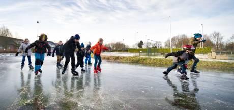 Heumense ijsbaan staat onder water: het gaat vriezen