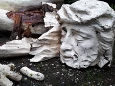 Vuurwerk versplintert Jezusbeeld in Brabants dorp: 'Ze hebben de geschiedenis vernield'