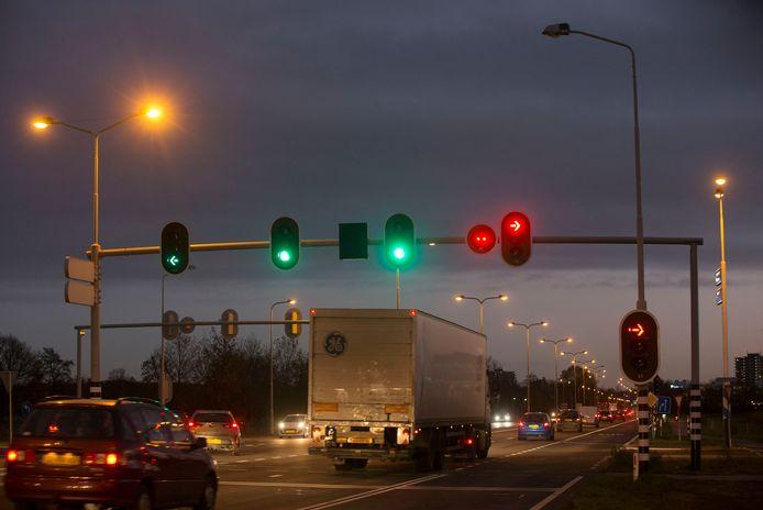 Vrachtwagens die via Wageningen tussen de A12 en A50 rijden moeten vanaf 2023 wellicht tol gaan betalen, net zoals dan moet op snelwegen.