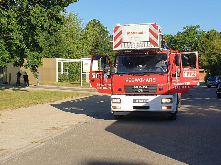 De brandweer kwam ter plaatse, maar het bleek om vals alarm te gaan.