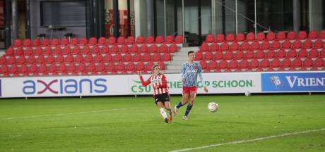 PSV verliest met penalty's van Ajax in vrouwen eredivisie cup