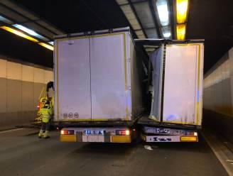 Kennedytunnel tijdelijk afgesloten na ongeval met vrachtwagens