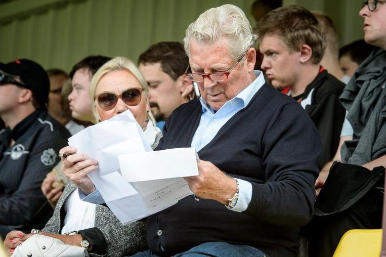 Tonny Bruins Slot, meesteranalist van Ajax, bekijkt de verrichtingen van PAOK. Beeld Pro Shots