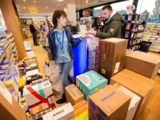 Honderden pakketjes per dag bij PostNL-punten: 'Het is zoeken naar opslagruimte'