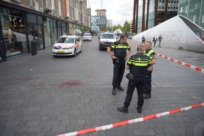 Politie op de plaats van de steekpartij in Eindhoven.
