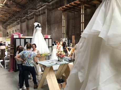 Koekbouw in Veghel als bruidskapel; 'Ook al is het nep, het is toch best spannend'