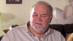 """Thomas Markle berispt zijn dochter: """"Ze heeft geen recht om zo tegen de queen te spreken"""""""