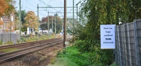 Vlag hangt nog niet uit langs het spoor in Oisterwijk: 'Pas als de trillingen echt weg zijn'