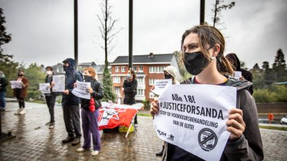 """Dertigtal actievoerders vragen 'justice for Sanda': """"We zijn bang voor een voorkeursbehandeling"""""""