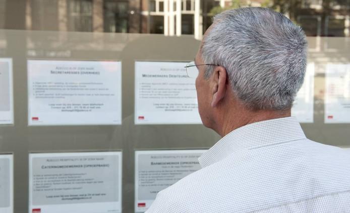 Ouderen komen moeilijk aan een nieuwe baan. FOTO Roos Koole/ANP