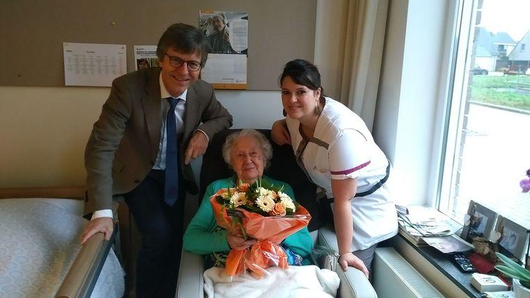 Agnes Vermassen vierde vrijdag haar 103de verjaardag in woonzorgcentrum De Vlinder.