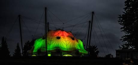 Bevrijdingsmuseum Groesbeek in kleuren Vierdaagse: 'respectloos' of juist niet?
