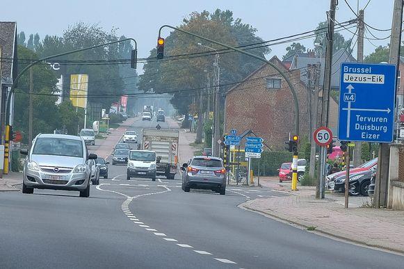 Vanaf dinsdagochtend is het verkeer op de Brusselsesteenweg opnieuw in beide richtingen mogelijk.