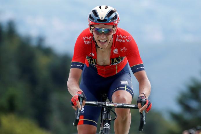 Dylan Teuns wint de eerste bergrit in de Tour de France.