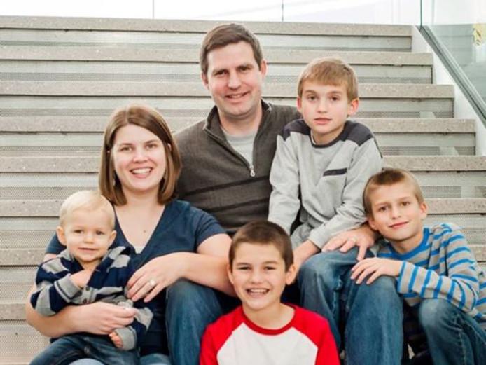 Het gezin is op deze foto nog compleet.