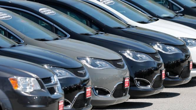 Honderden boetes opgesteld en twee arrestaties bij controle van zeven autohandelaars